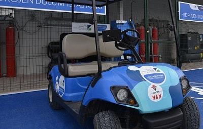 Yakıt pili ile çalışan golf aracı